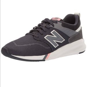 New Balance 009 Women's Sneaker size 7.5